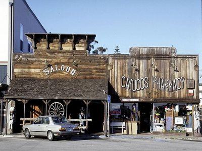 cayucos_saloon